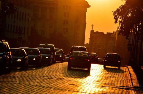 Трафик снимка: Влади Ангелов. — в/във Жълтите Павета.